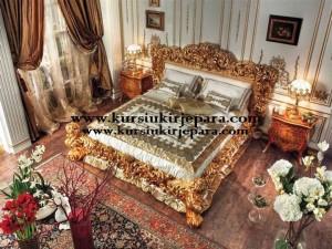 Tempat Tidur Royal Cezar
