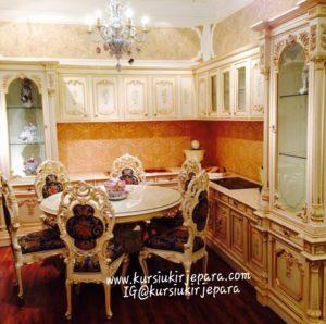 Meja Makan Minerva Bundar