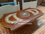 Meja Makan Manohara