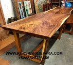 Meja Makan Solid Wood